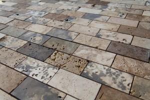 mosaico levigato con foro aperto