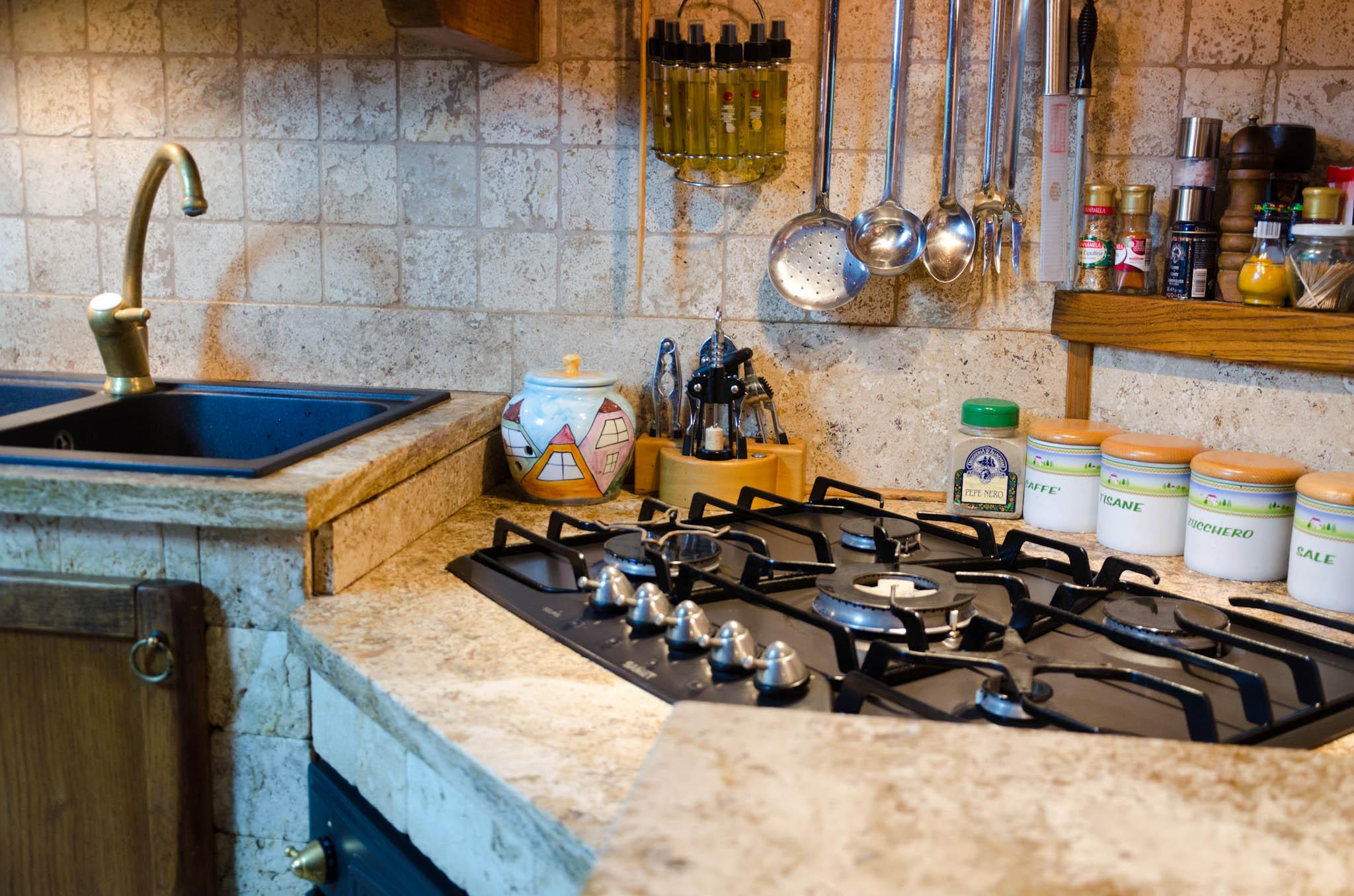 Mosaico per decorare la cucina mosaici bagno by pietre di rapolano - Rivestimento cucina no piastrelle ...
