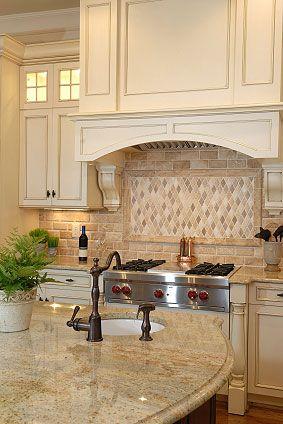 mosaico cucina beige naturale in pietra travertino arlecchino
