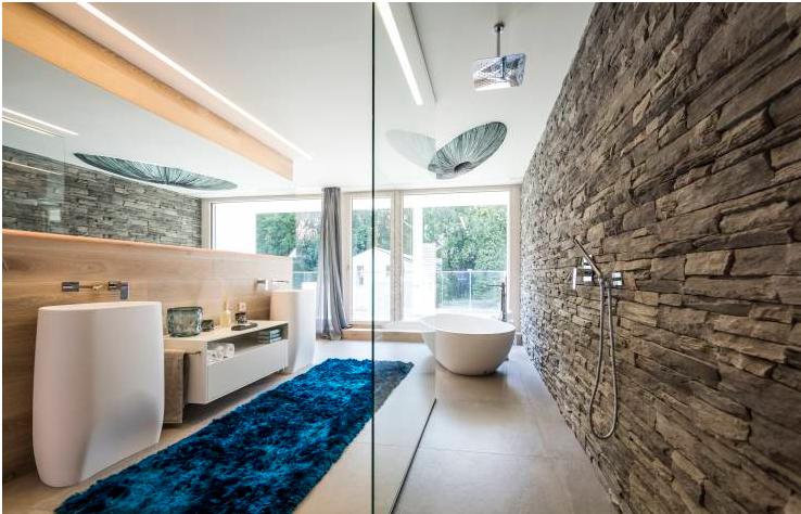 decorazione mosaico a spacco bagno luminoso