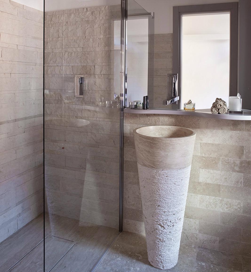 Rivestimenti in mosaico per box doccia mosaici bagno by - Bagno rivestimento pietra ...