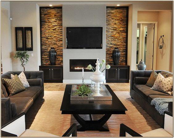 soggiorno con mosaico per pareti camino interno naturale